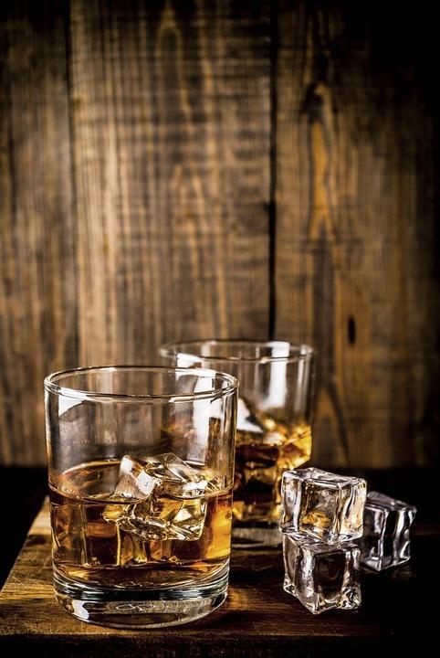 Der Whisky verdankt der Reblaus (oben) seinen Siegeszug.  | Foto: ricka_kinamoto - stock.adobe.com