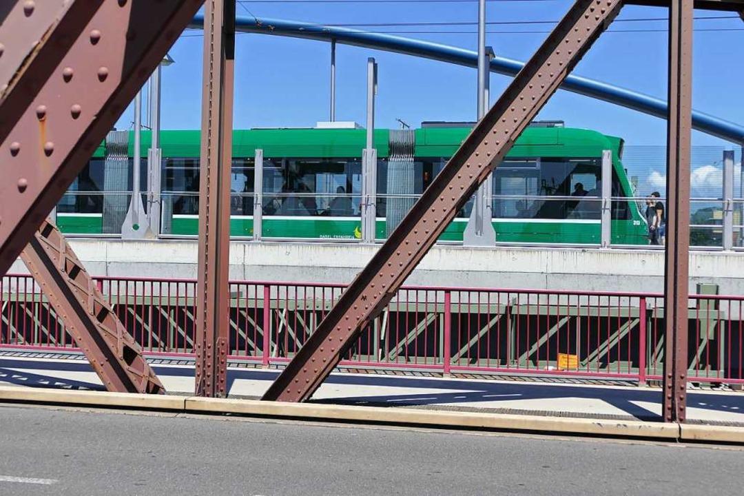 Die Tram 8 ist ein zentraler Bestandte...kehrskonzepts der Stadt Weil am Rhein.    Foto: Victoria Langelott