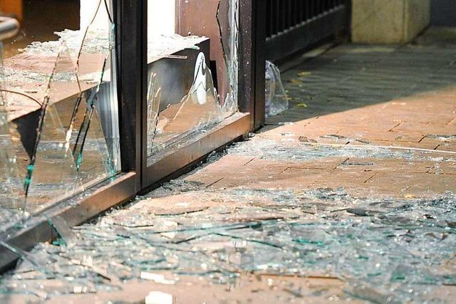 Schaufenster in Bad Säckingen an Neujahr eingeschlagen