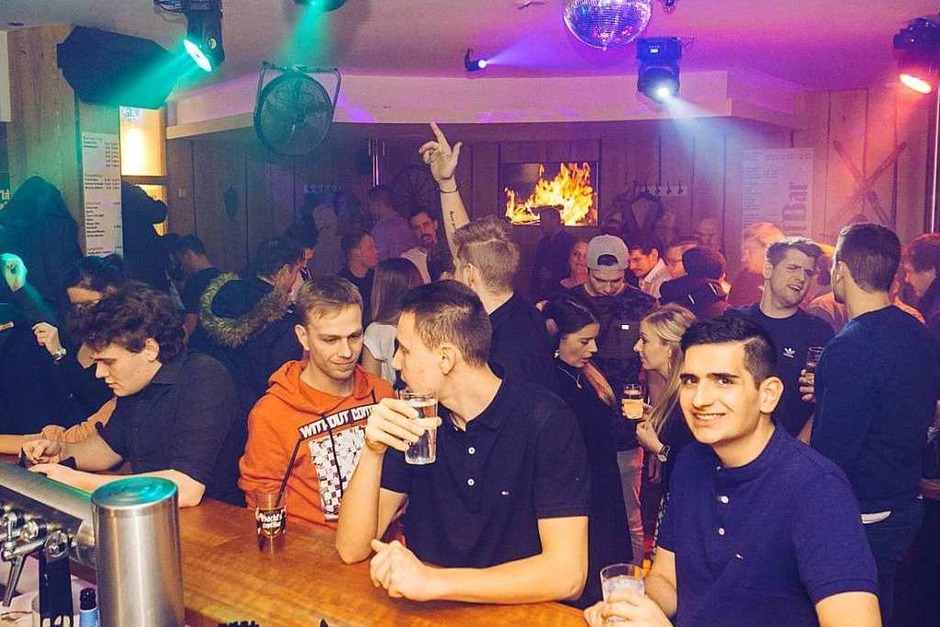 Silvester 2019 in Hackls Zapf Bar in der Franziskanerstraße (Foto: Kai Lawall)