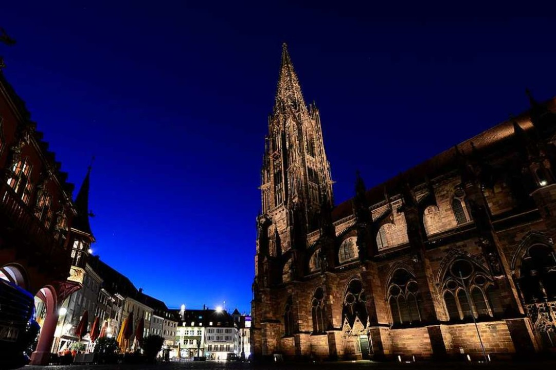 Am 12. September heißt es: 900 Jahre F... des Münsterturms wurde 1258 gegossen.  | Foto: Ingo Schneider