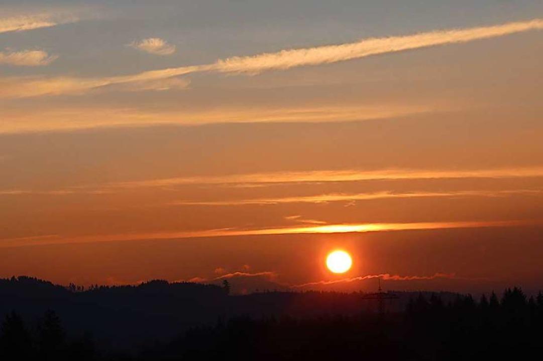 Sonnenaufgang über dem Fricktal zum Jahresausklang  2019.  | Foto: Helmut Kohler