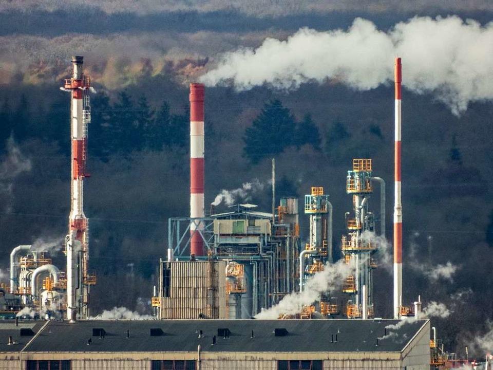 Auf dem Gelände der Firma Solvay im El...t der der Industriepark versorgt wird.  | Foto: Matthias Weniger