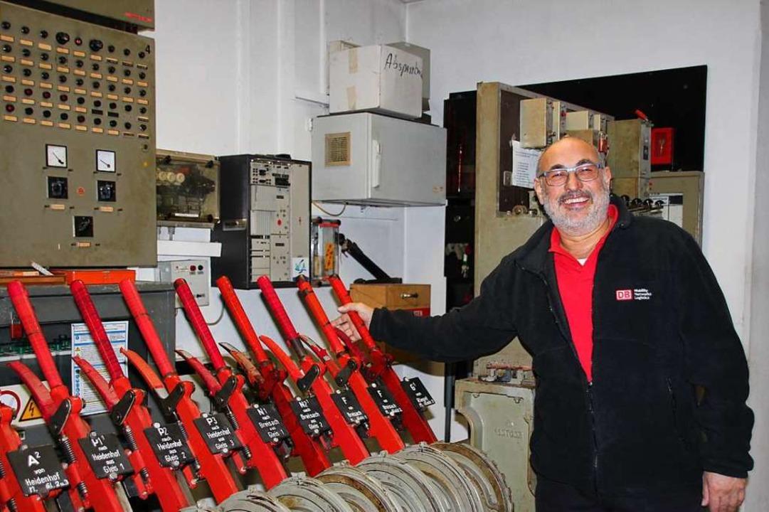 Klaus Melcher war seit 1981  Fahrdiens...en Stellwerk ging er in den Ruhestand.  | Foto: Mario Schöneberg