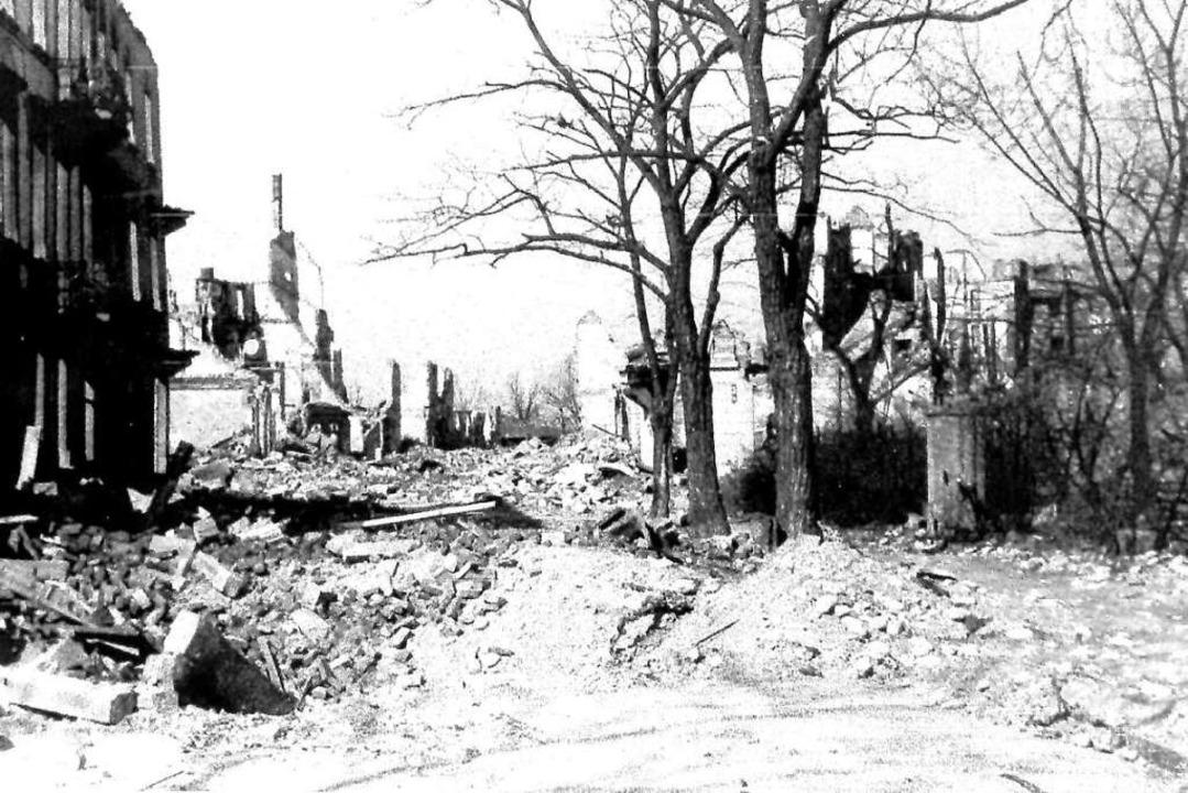 Die Colmarer Straße nach dem Luftangriff vom 27. November 1944  | Foto: Archiv Hans Sigmund