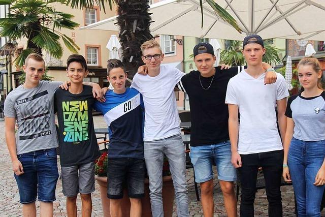 Jugendliche haben einen Mann aus dem Rhein gerettet - jetzt winkt ihnen ein Preis