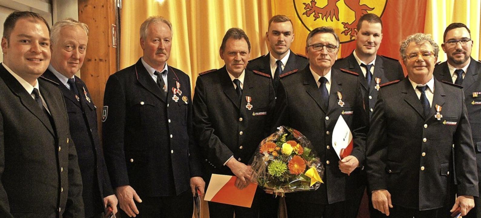 In der Hauptversammlung der Feuerwehr ...n Böhler und Peter Mospak (in Bronze)     Foto: Reinhard Herbrig