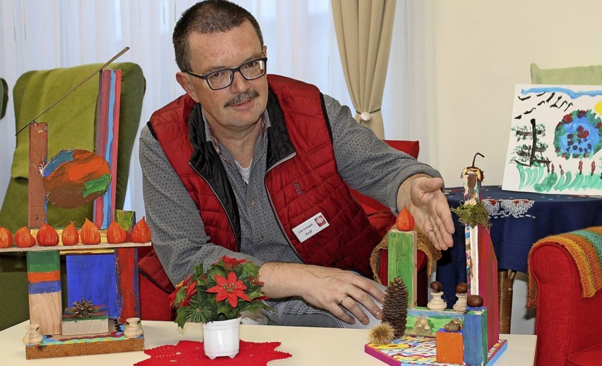 Auch Christoph Geiß, der stellvertrete...er Kreativwerkstatt hergestellt haben.  | Foto: Cornelia Liebwein