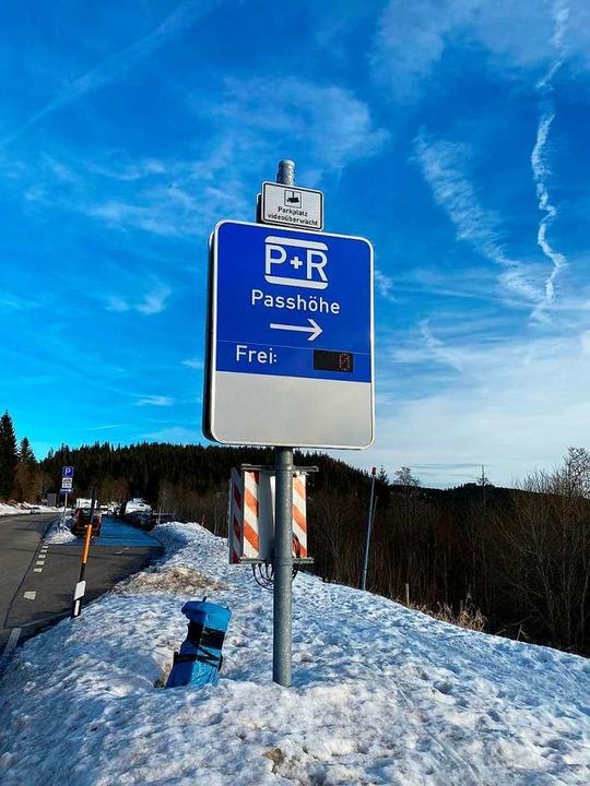Angespannte Parksituation in Feldberg.    Foto: kamera24