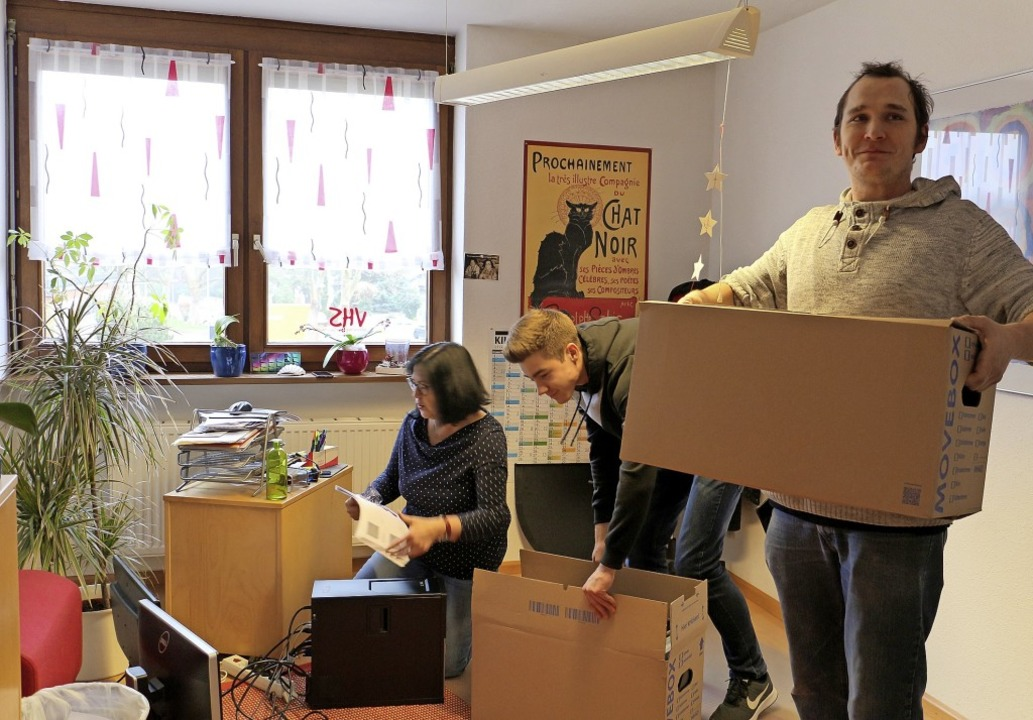 Kisten packen zwischen den Jahren: Die...ie ehemalige Werkrealschule umgezogen.    Foto: Ruth Seitz