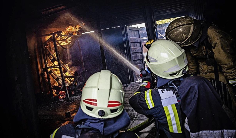 2019 absolvierten die Feuerwehrmitglieder auch eine Heißausbildung <ppp></ppp>  | Foto: Anika Lenke