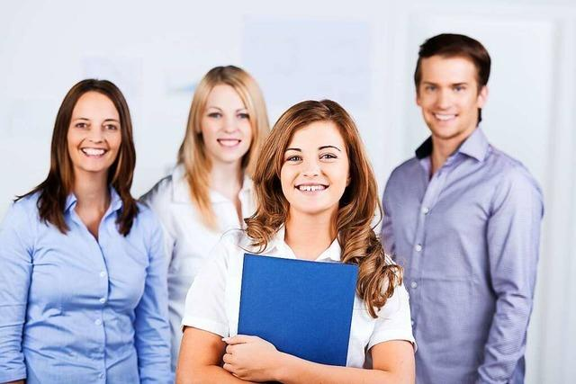 Bewerbungsmappen-Check bei der Job-Start-Börse