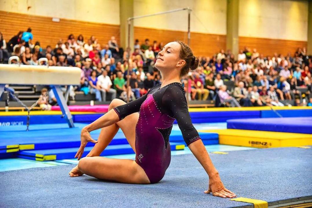 Multitalent Sabine Storz – hier beim Bodenturnen   | Foto: Clemens Wiedenmann