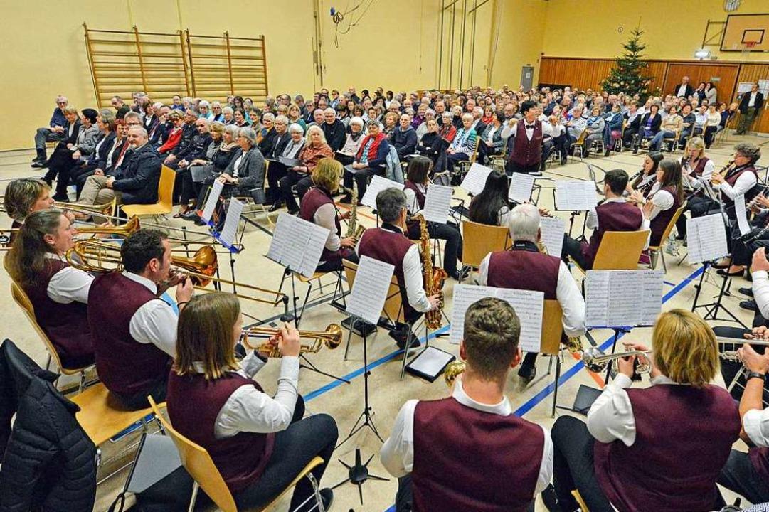 Für den guten Ton beim Opfinger Neujah... Tuniberghalle sorgte der Musikverein.  | Foto: Michael Bamberger