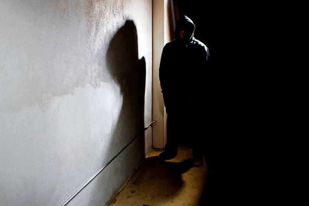 Ein 20-Jähriger wurde am Mittwochabend...Täter entwendete Bargeld (Symbolbild).  | Foto: Innovated Captures - Fotolia