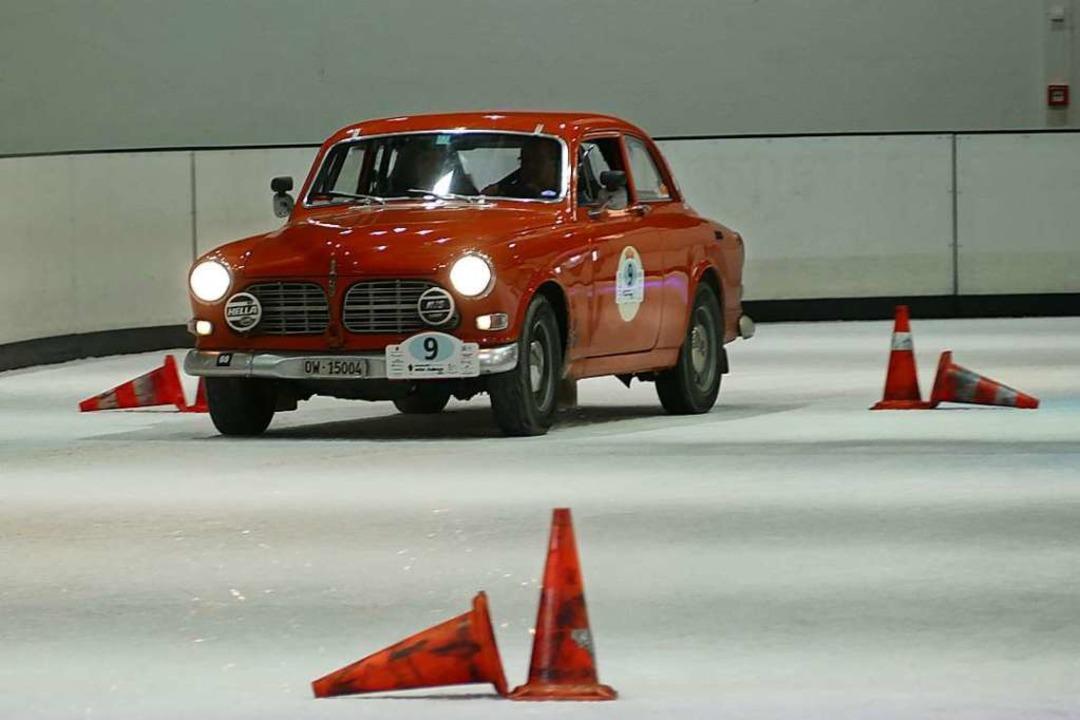 Ihm ist das Fahren auf Eis in die Wieg...otiert von Hampi Durrer und Lukas Küng  | Foto: Helmut Seller