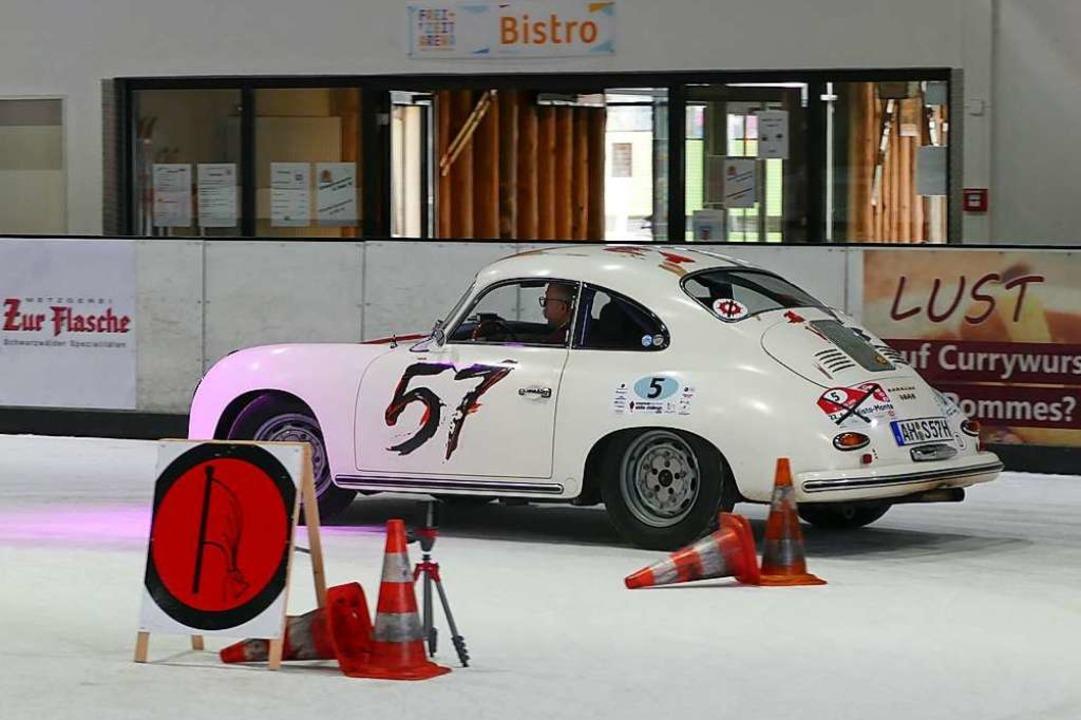 Das älteste Fahrzeug am Start: Porsche...em Beifahrersitz Christina Brauckhoff.  | Foto: Helmut Seller