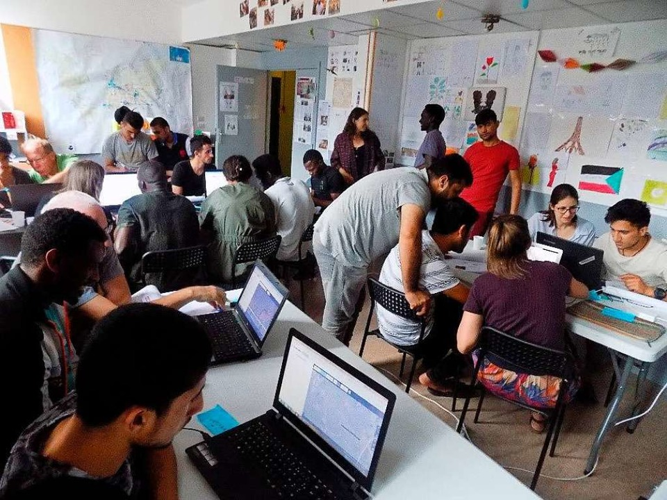 In Mapping-Partys pflegen   Menschen  ...elsweise nach Erdbeben, nützen können.    Foto: cartONG