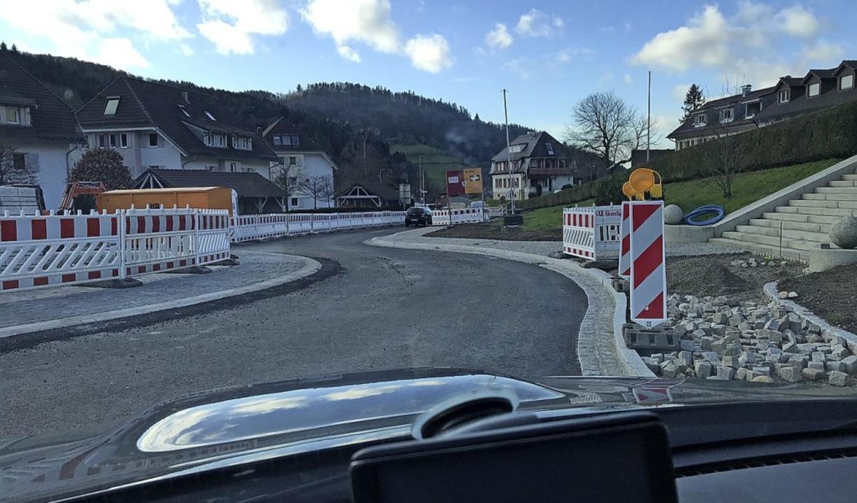 Auch nachdem  die neugebaute Seite des...n – Ärger über die langen Staus.  | Foto: Gabriele hennicke