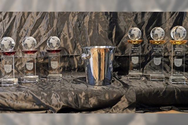 Pokale für erfolgreiche Sportler