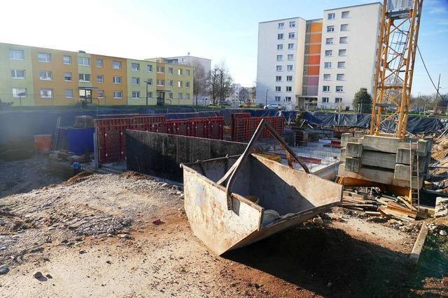 In der Römerstraße in Rheinfelden läuft der Bau neuer Wohnungen nach Plan