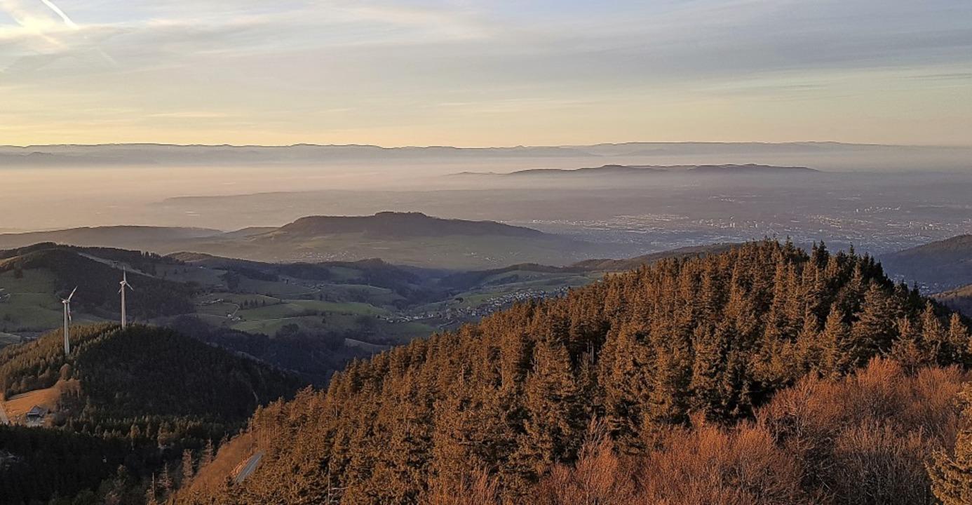 Neujahr im Nebel: Die Inversionswetter...to  unseres Lesers Volker Jung zeigt.   | Foto: Volker Jung