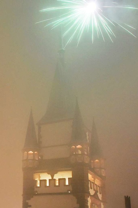 Feuerwerk verursacht Feinstaub –...bnis aussehen, wie hier am Martinstor.  | Foto: Michael Bamberger