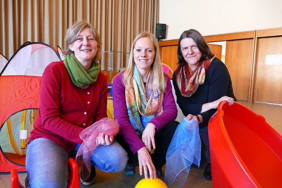 Schön bunt wird es  am Montag auf dem ...Mittl, Lena Zacheus und Ulrike Binder.  | Foto: Susanne Filz