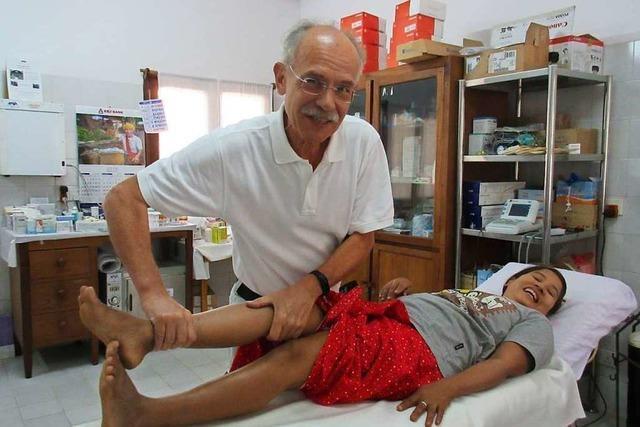 Zwei Ärzte aus Lörrach behandeln kostenlos Menschen in Myanmar