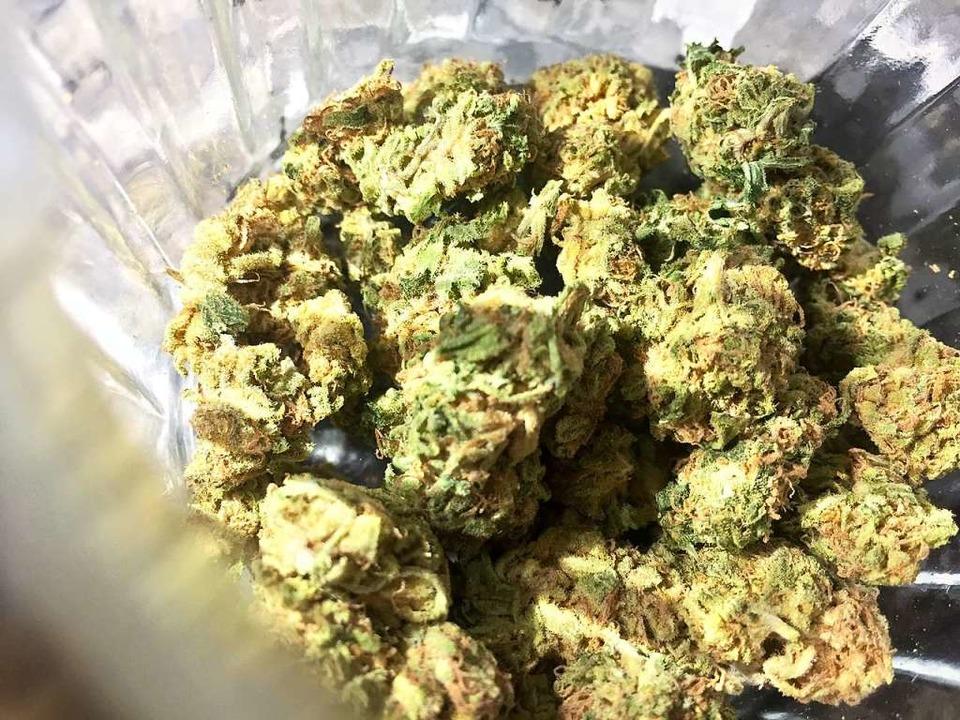 Bei dem 21-Jährigen wurde Cannabis in großer Menge gefunden.  | Foto: Lino Mirgeler
