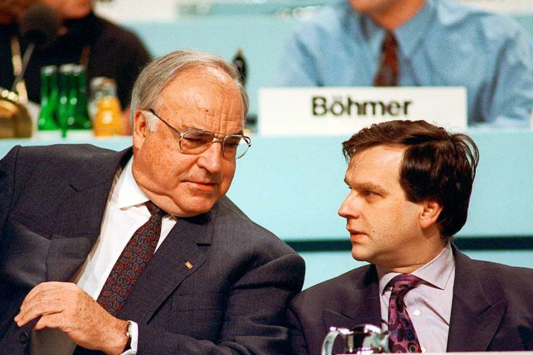 Günther Krause (r.) mit Helmut Kohl beim CDU-Parteitag 1991 in Dresden  | Foto: Martin Athenstädt