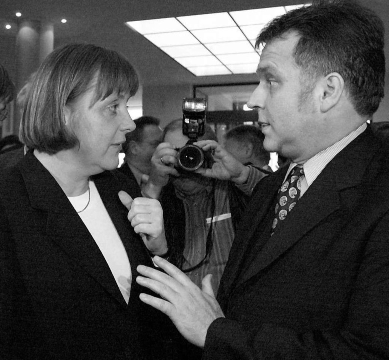 Angela Merkel im Jahr 2000 mit Günther Krause  | Foto: Bernd_Wüstneck