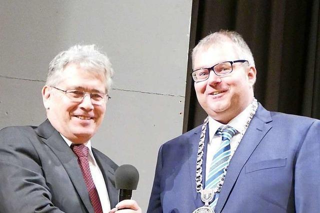 Alexander Guhl ist für die nächsten acht Jahre als Bürgermeister von Bad Säckingen verpflichtet worden
