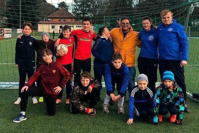 Beim PTSV Jahn in Freiburg spielen Jugendliche mit und ohne Behinderung in einem Fußballteam