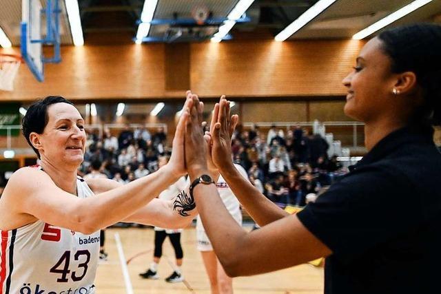 56:81 – die Frauen des USC Freiburg halten gegen Tabellenführer Keltern nur drei Viertel lang mit