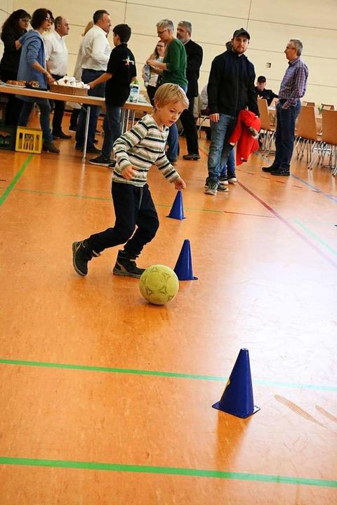 Fußball ist nicht bolzen, vielmehr erf...aktionsgeschwindigkeit und Ballgefühl.  | Foto: Martha Weishaar