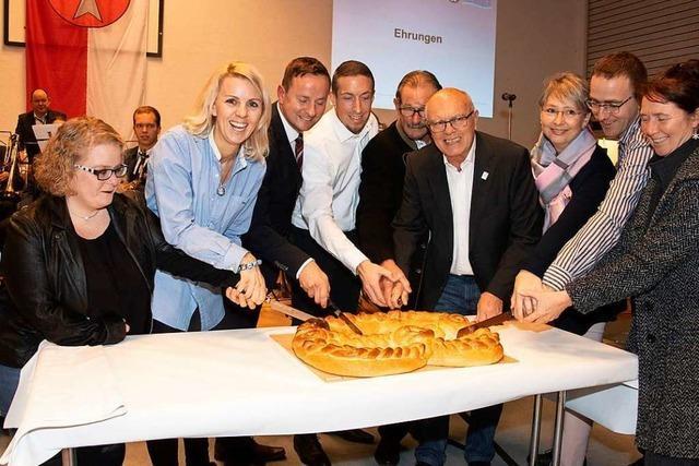 Eschbachs Bürgermeister ehrt beim Neujahrsempfang engagierte Bürger