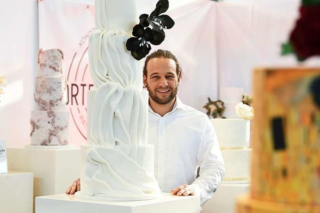 Bäcker Patrick Kaltenbrunn nennt sich ...freie Kuchen und Torten spezialisiert.  | Foto: Rita Eggstein
