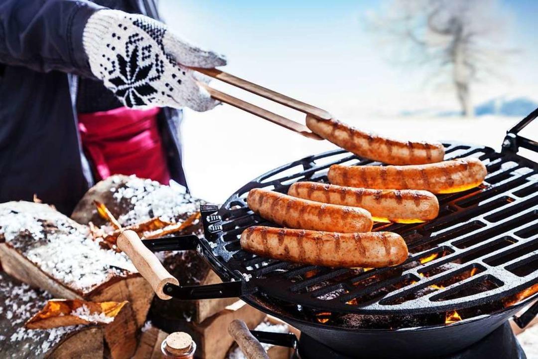 Gegrilltes schmeckt auch bei Schnee hervorragend (Symbolbild).  | Foto: Exclusive-design (Adobe Stock)