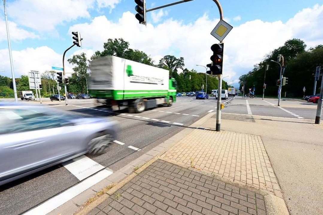 Kreuzung zwischen Markwald-, Hermann-M...erantwortlich sein will. (Archivbild).  | Foto: Ingo Schneider