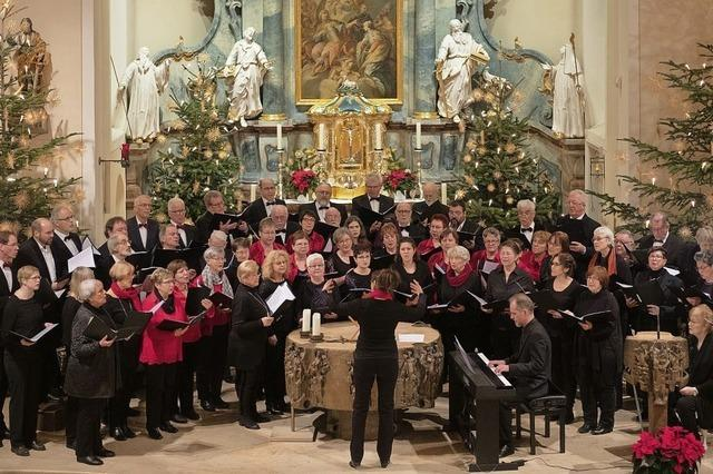 Gefühlvoller Gesang der Chorgemeinschaft