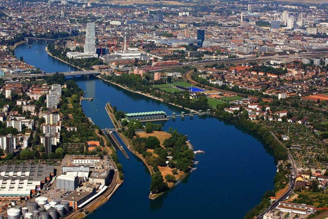 Der Rhein bei Birsfelden. Hier ereignete sich am Montag ein Schiffsunglück.  | Foto: Erich Meyer