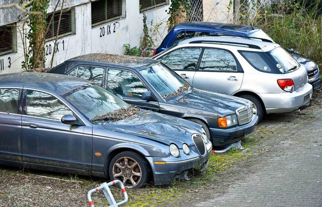 Die Autos können laut einer Sprecherin...en, die für ihren Stellplatz bezahlen.  | Foto: Michael Bamberger