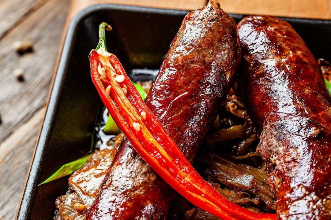Rinderwürstchen mit Chili  | Foto: Zufar Kamilov (stock.adobe.com)
