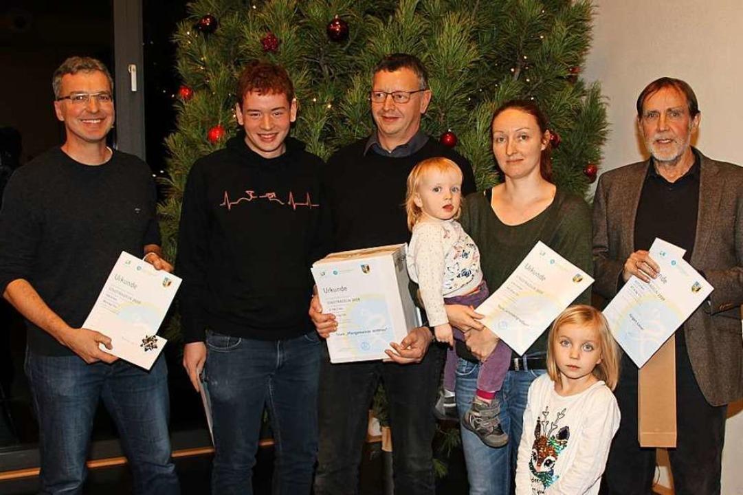 Geehrt wurden die Stadtradler (von lin...ltermann mit Kindern und Jürgen Lieser  | Foto: Mario Schöneberg