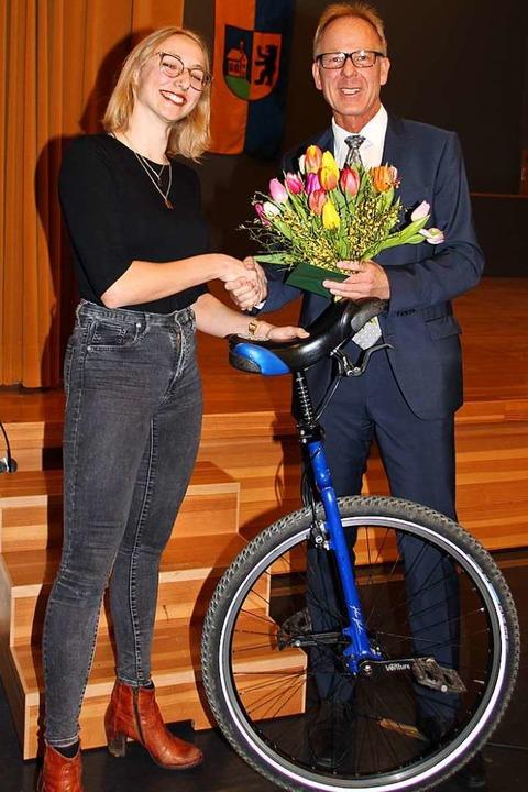 Beim Empfang zu Neujahr im Gallushas W... gratuliert Bürgermeister Jörg Kindel.  | Foto: Mario Schöneberg