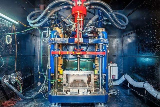 Fraunhofer-Institut will E-Auto-Batterien auf Unfallsicherheit untersuchen