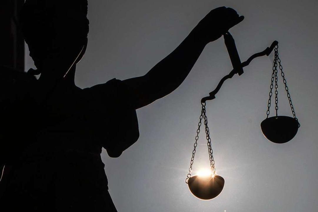 Nicht immer können Gerichte einen Fall... der Justiz zugunsten des Angeklagten.  | Foto: Frank Rumpenhorst