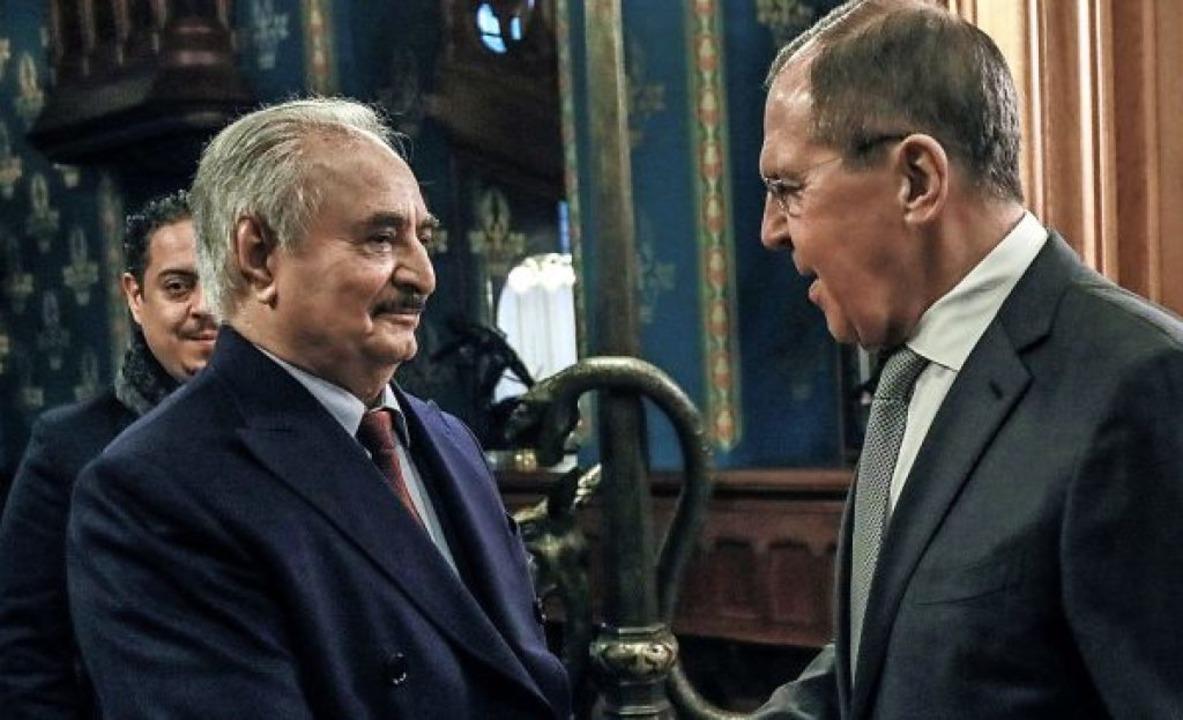Verbündete: General Chalifa Haftar (li... russische Außenminister Sergej Lawrow  | Foto: - (dpa)