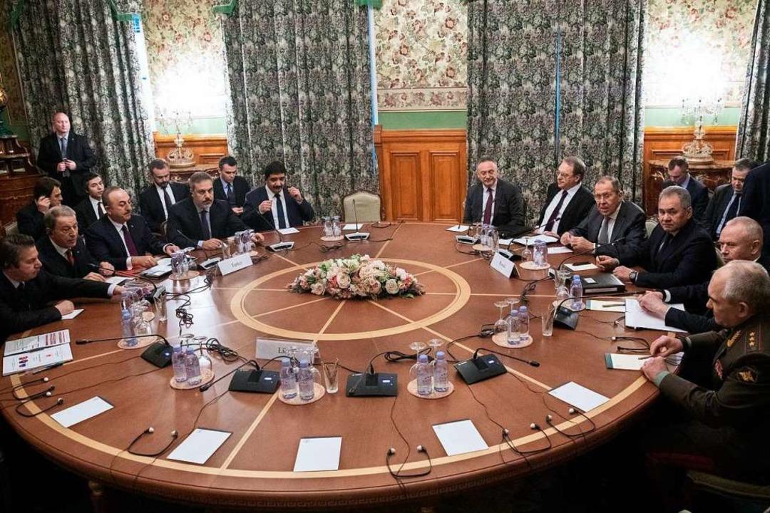 Ergebnislos blieben die Moskauer Gespr... Waffenstillstandsabkommen in Libyen.     Foto: Pavel Golovkin (dpa)